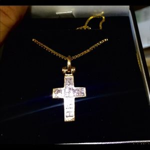 Jewelry - Beautiful 14KT gold with 2 Ct Total weight cross